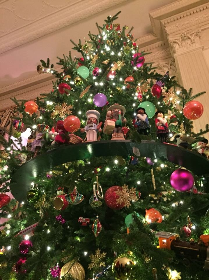 Decorating at The White House in 2015